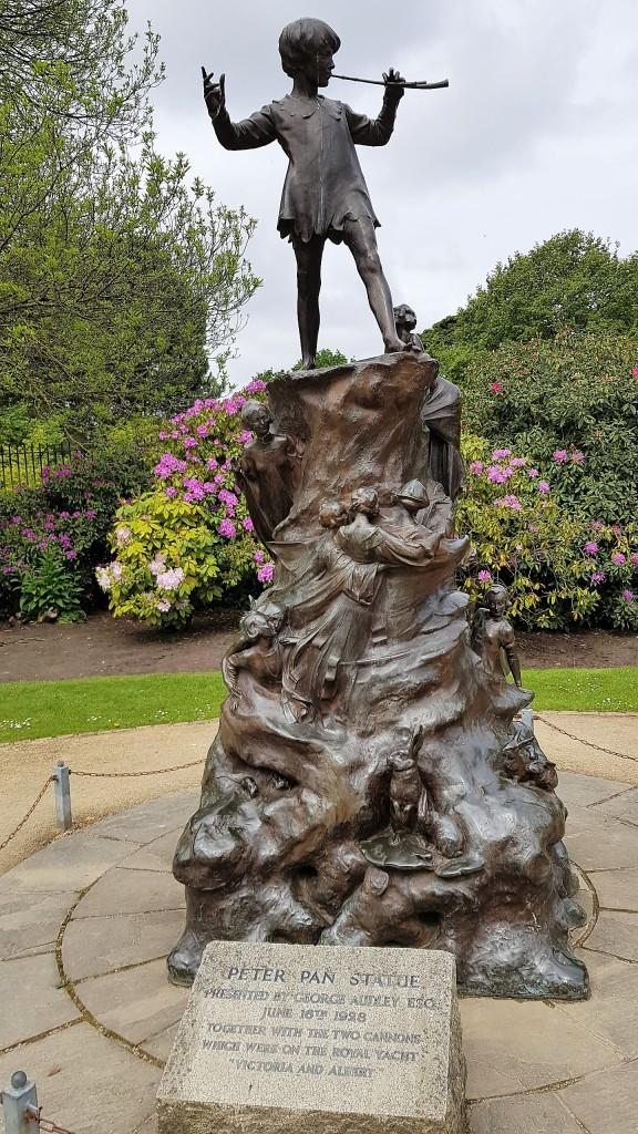 Statue of Peter Pan